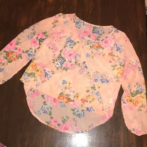 Beautiful Floral Faux Wrap Style Top! Make offer!